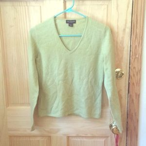 Ann Taylor 100% two ply cashmere sweater!